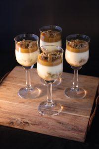 Glutenvrije en lactosevrije panna cotta met stroopwafel
