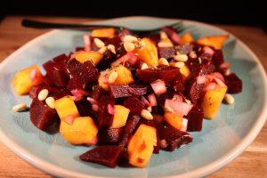 Rode biet/mango salade