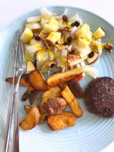 Gebakken aardappeltjes met tartaar en witlof