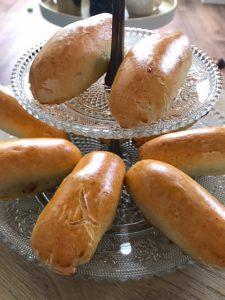 Gluten- & lactosevrije worstenbroodjes