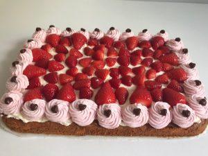Moederdag taart met aardbeien